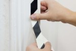 Samolepící šrafovaná páska na schody fotoluminiscenční